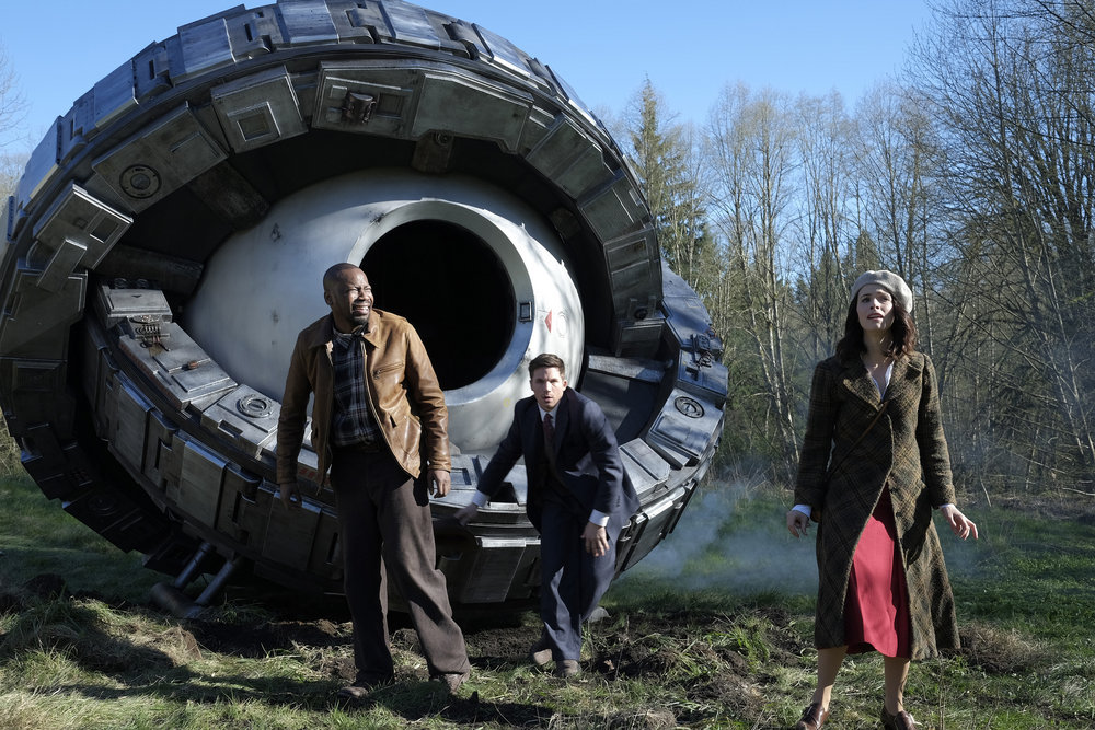 "TIMELESS -- ""Pilot"" -- Pictured: (l-r) Malcolm Barrett as Rufus Carlin, Matt Lanter as Wyatt Logan, Abigail Spencer as Lucy Preston -- (Photo by: Joe Lederer/NBC)"